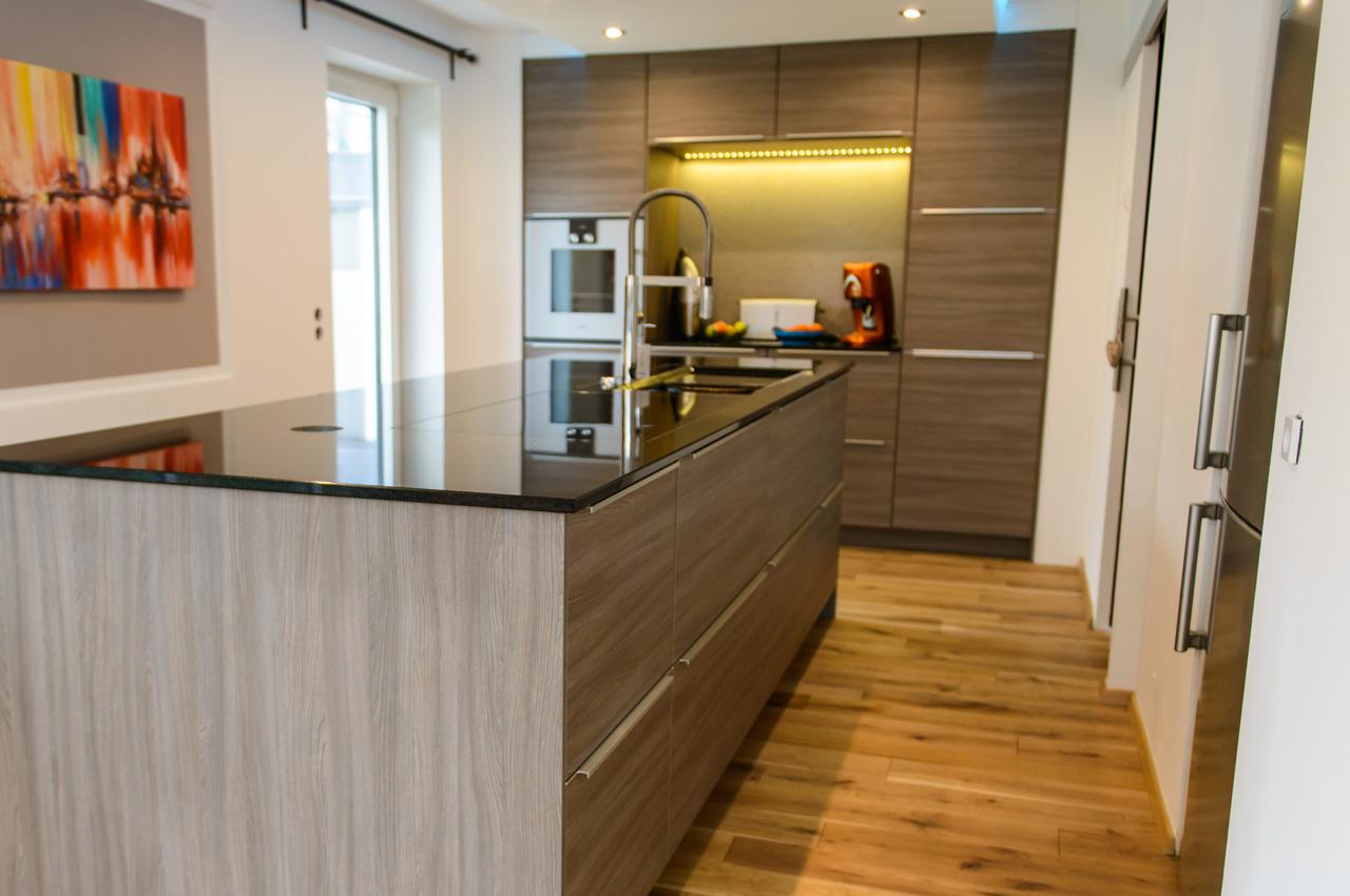 silvia wood k chen krampe. Black Bedroom Furniture Sets. Home Design Ideas