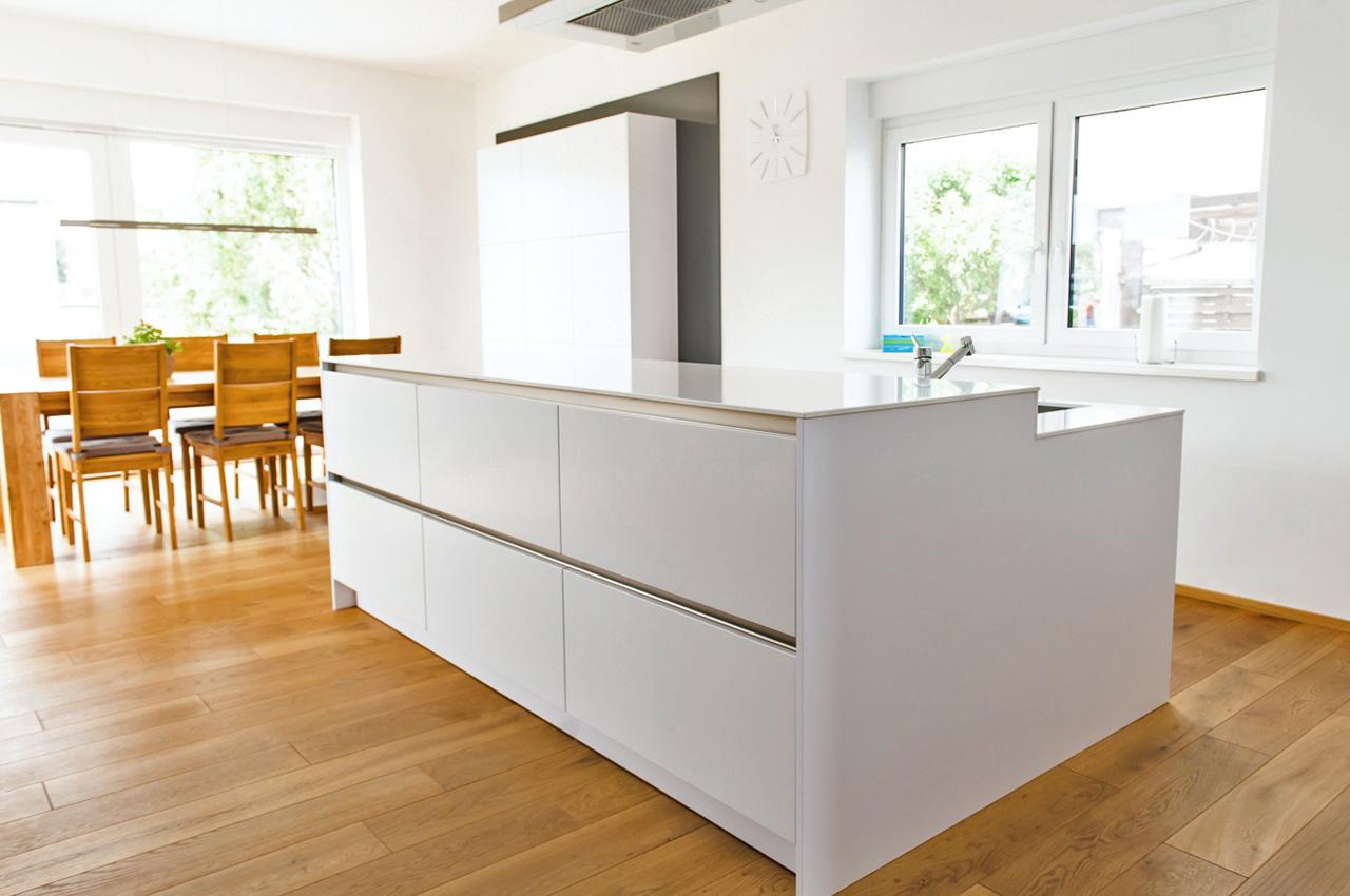 trendline polarwei k chen krampe. Black Bedroom Furniture Sets. Home Design Ideas